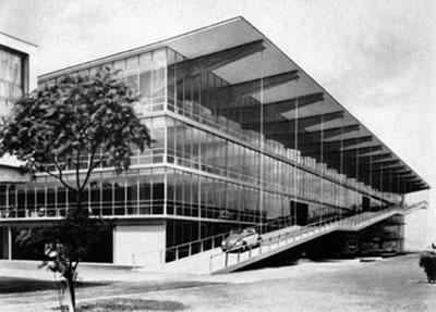 1950'lerde ilk otopark binaları